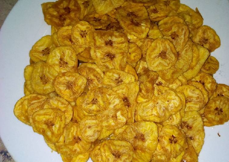Unripe plantain chips