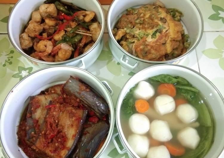 Tauco tahu udang,Dadar buncis, Terong Sambal hebi,Soup fish ball