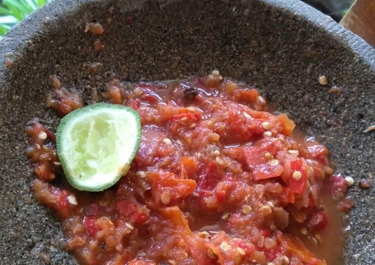 Resep: Sambel tomat mentah yang Lezat