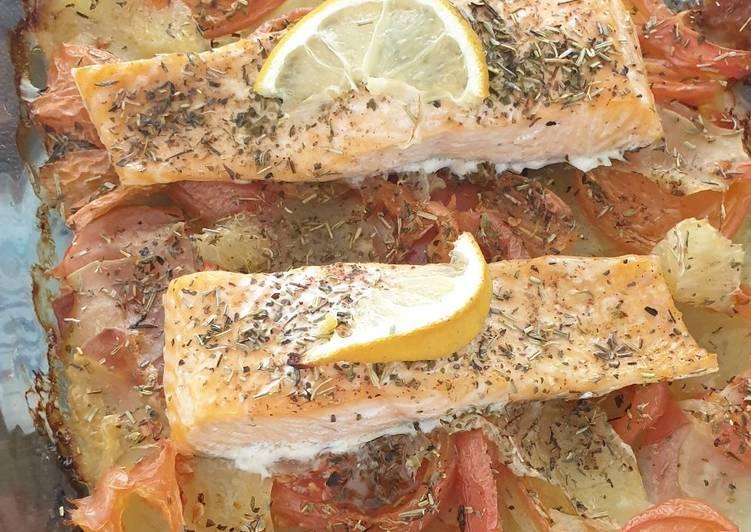La Délicieuse Recette du Pavés de saumon sur lit de pommes de terre fondantes au four