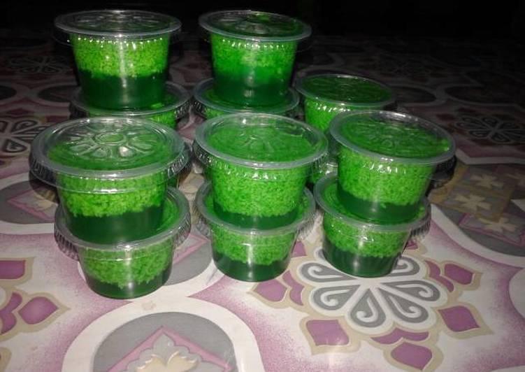 Resep Puding Lumut Cup Oleh Farah Disil Cookpad