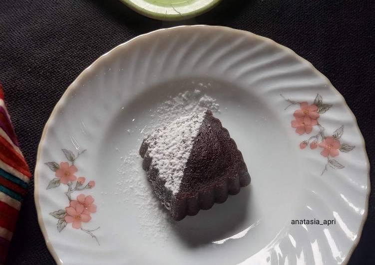 Langkah Mudah untuk Menyiapkan Steamed Chocolate Lava Cake Anti Gagal