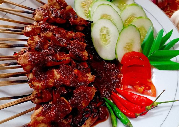 Sate Plecing Daging Ayam