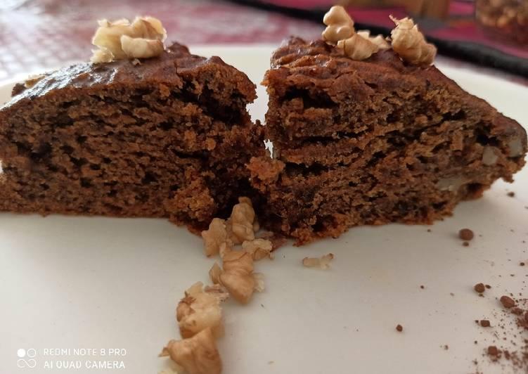 Recipe of Speedy Dates and walnut whole wheat flour cake