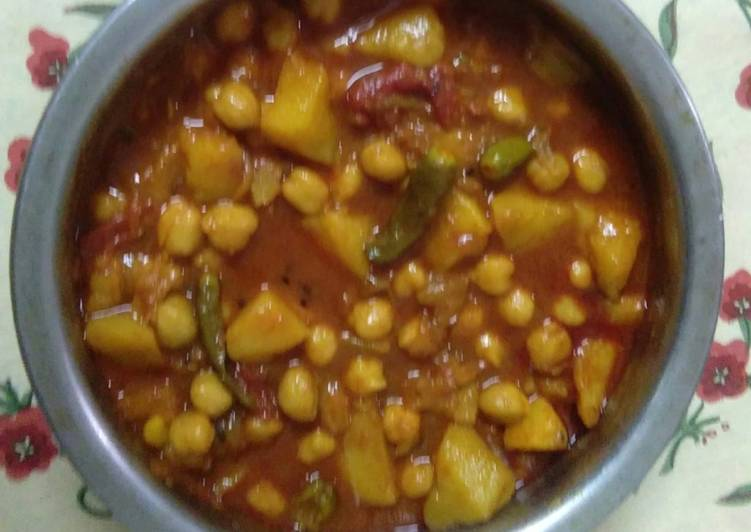 10 Minute Recipe of Refreshing Aloo chole curry