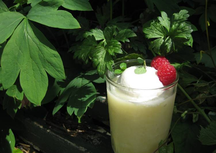 Recipe: Appetizing Pineapple & Grapefruit Smoothie