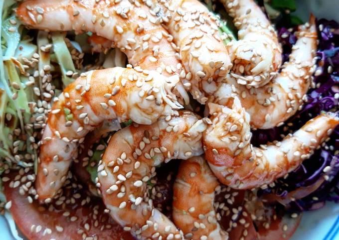Salade bolw de choux, porridge et crevettes