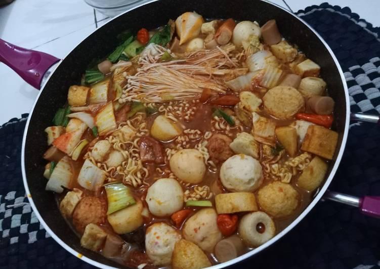Steamboat Tomyam (sukiyaki)