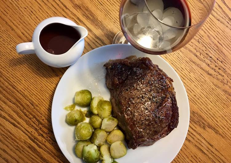 Rib Roast / Prime Rib with Sage Red Wine sauce