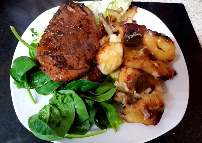 My Marinaded Rump Steak with Onions & Cheesy Potatoes 😘