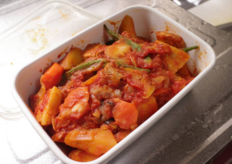 Recipe of Braised Pork belly and sweet potato with tomato