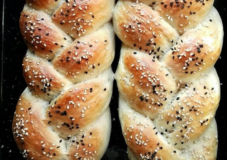 How to Prepare Super Quick Homemade Braided Herbed Bread