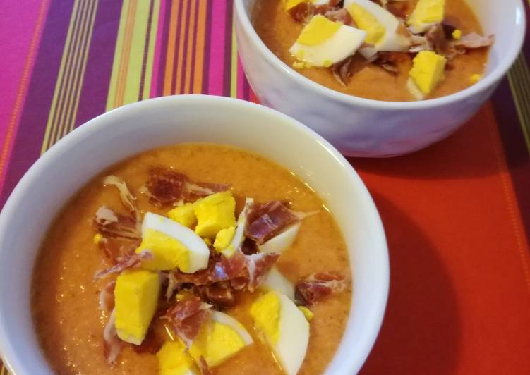 La Recette Pas à Pas Salmorejo, soupe froide de tomates andalouse
