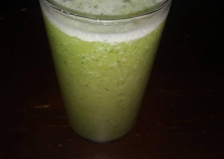 Jugo verde con nopal para bajar de peso