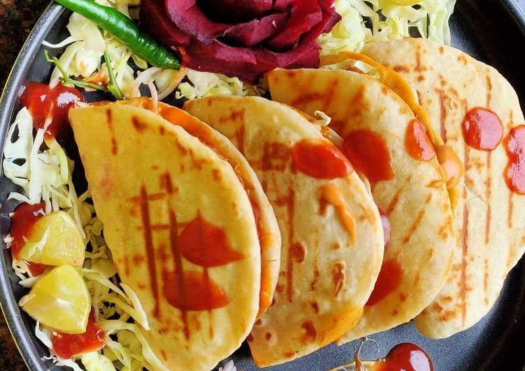 Recipe of Super Quick Homemade Chatpata chicken kabab naan