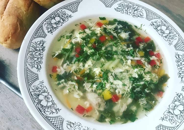суп с щавелем и с яйцом