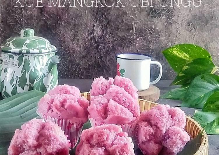 Kue mangkok ubi ungu