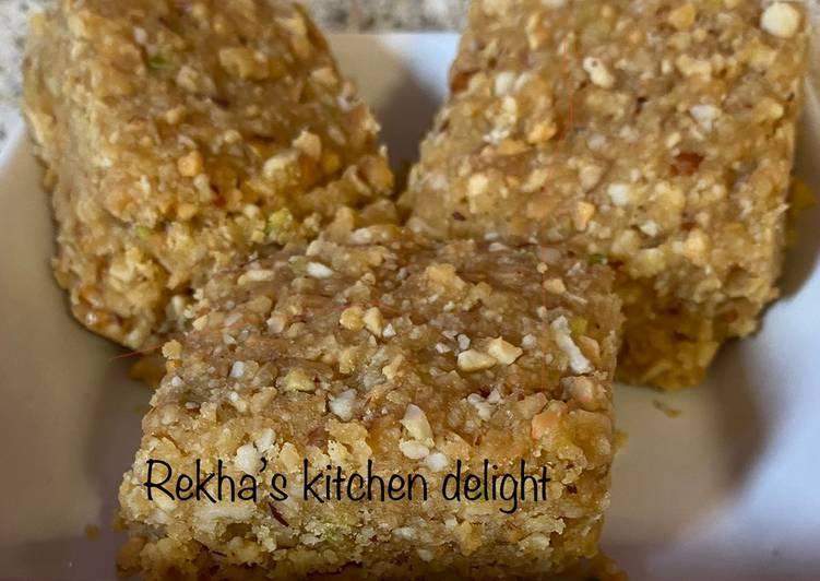 Recipe of Quick Peanut fudge (mandavi pak)
