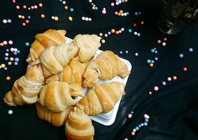 Recipe: Perfect Eggless croissants
