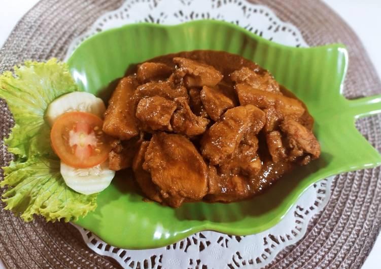 Semur Pedas Ayam & Kentang