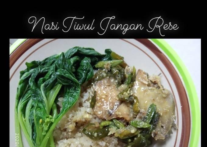 Nasi tiwul jangan rese (ikan asin)