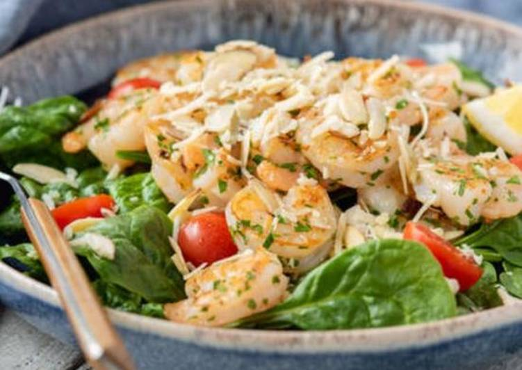 Keto: Shrimp Spinach Salad