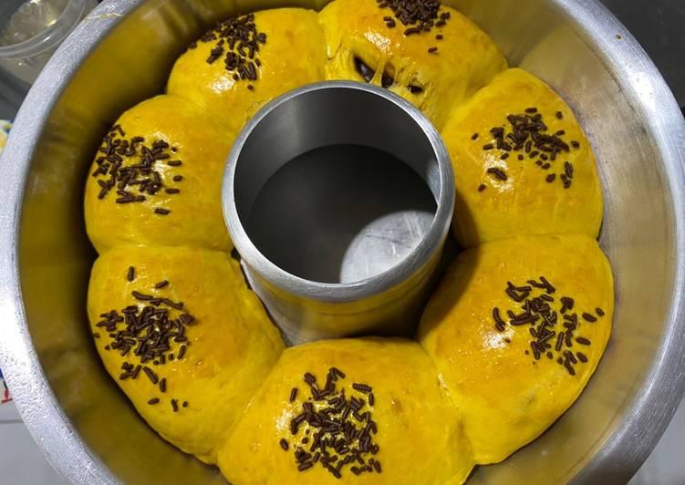 Roti sobek labu kuning