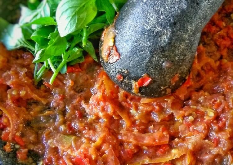 Resep Sambal Tomat Mentah oleh Sonia Stephanie - Cookpad