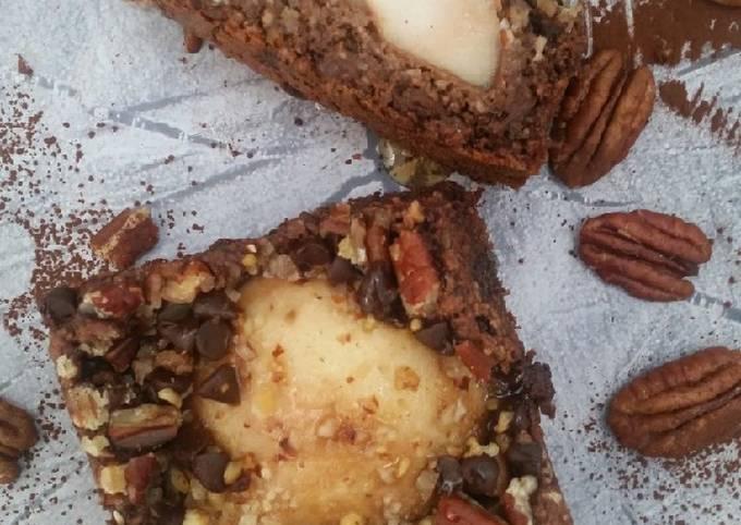 Cake healthy poire noisette chocolat et éclats de pecan
