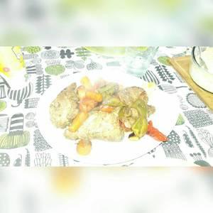 Bondiola de cerdo con verduras al horno