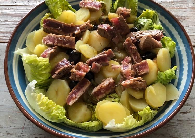 Salade de pommes de terre et thon mi cuit
