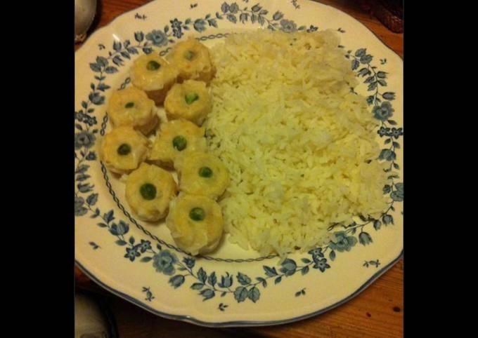 Bouchées vapeur aux crevettes et petits pois et leur riz thaï