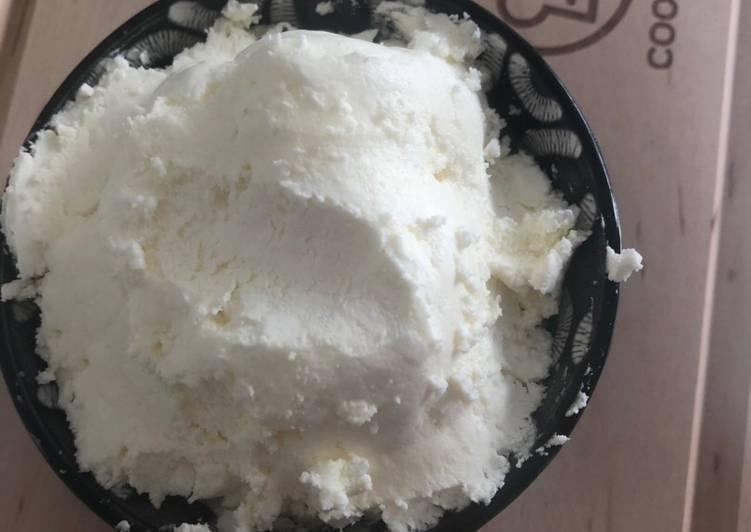 Crème au beurre à la meringue suisse (SMBC ou CBMS)
