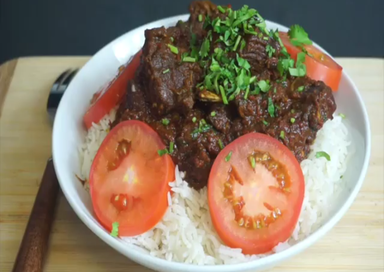 15 Minute Easiest Way to Prepare Refreshing Indian goat meat curry masala