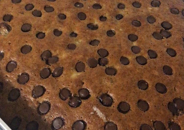 Moist Banana Chocolate Chip Cake