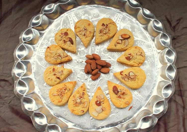 How to Prepare Homemade Eggless Almond and Custard powder cookies