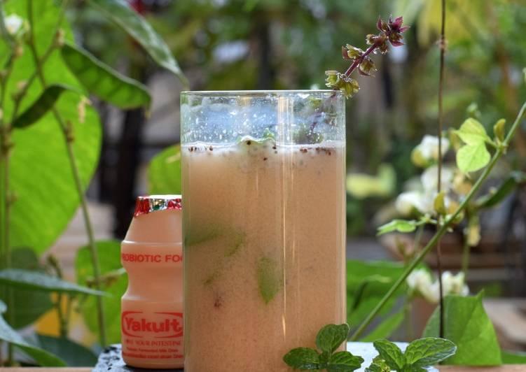 Probiotic Plantain stem Juice With Yakult