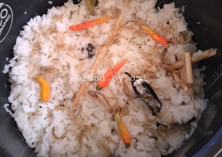 Nasi liwet / nasi gurih / nasi uduk rice cooker