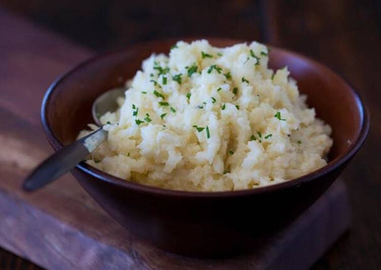 Recipe: Appetizing Mashed Cauliflower (87 calories)