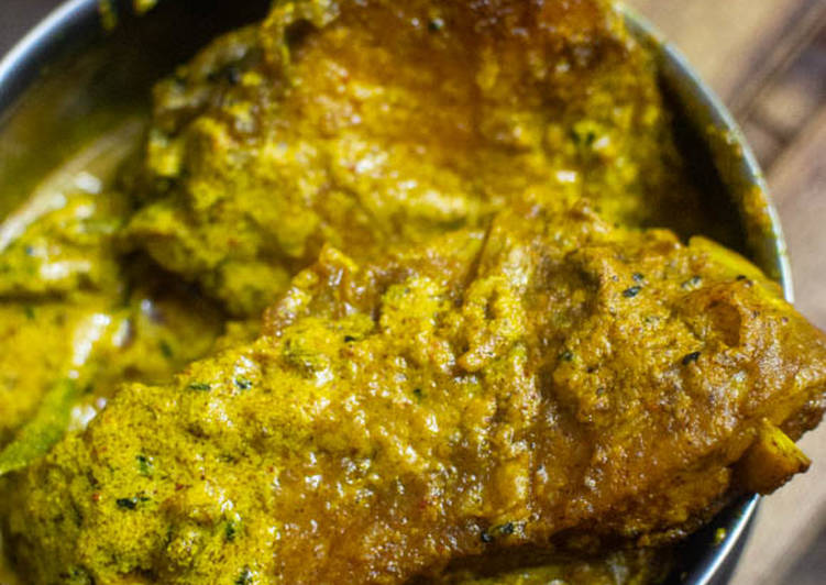 Steps to Make Most Popular Bengali Mustard based Fish Curry or Macher Jhal