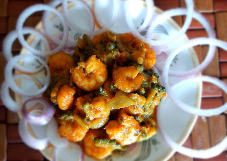 Recipe of Ultimate Bitter Gourd and Prawn