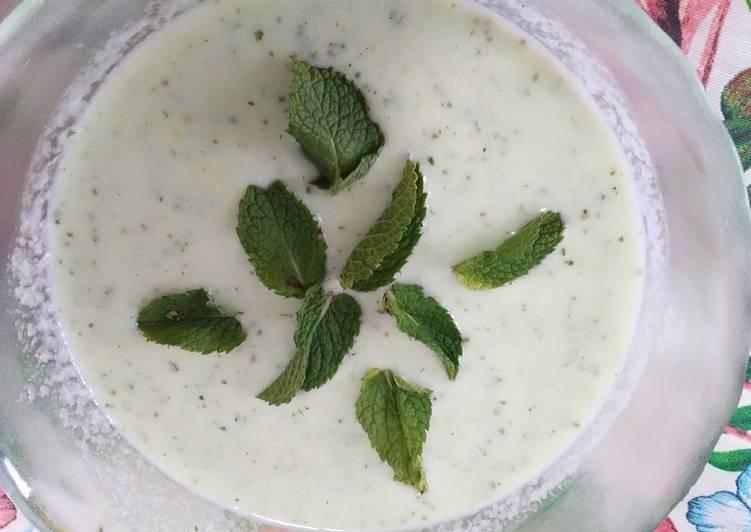 Sopa fría de pepino (baja en calorías)