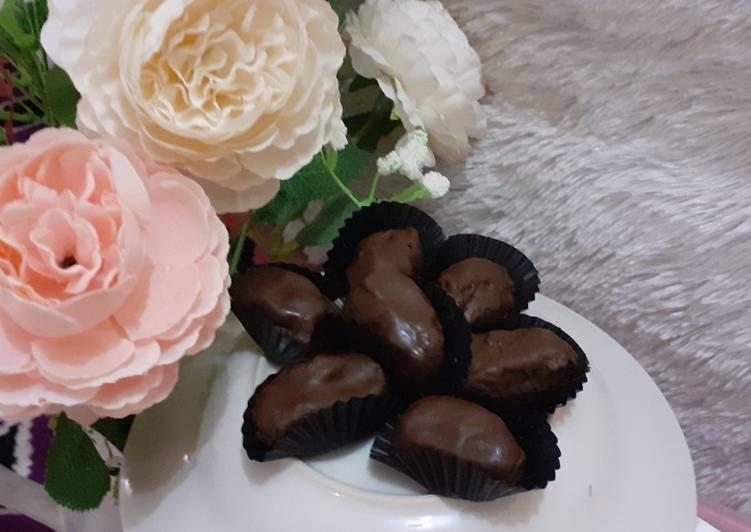 Kurma Coklat isi Keju