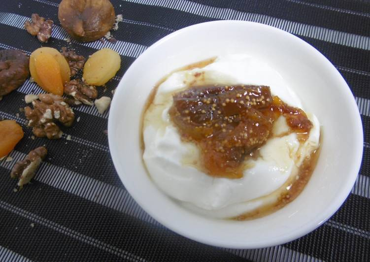 Yogurt dessert with a delicious topping