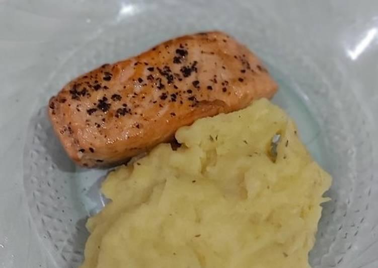 Salmon fried mashed potato