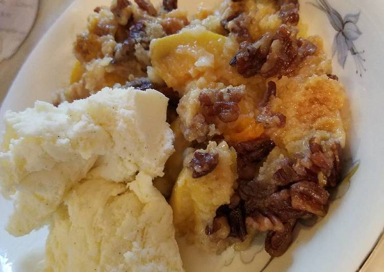 How to Prepare Favorite Crockpot Peach Cobbler