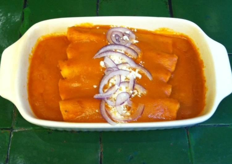 Enchiladas de mole de cacahuate