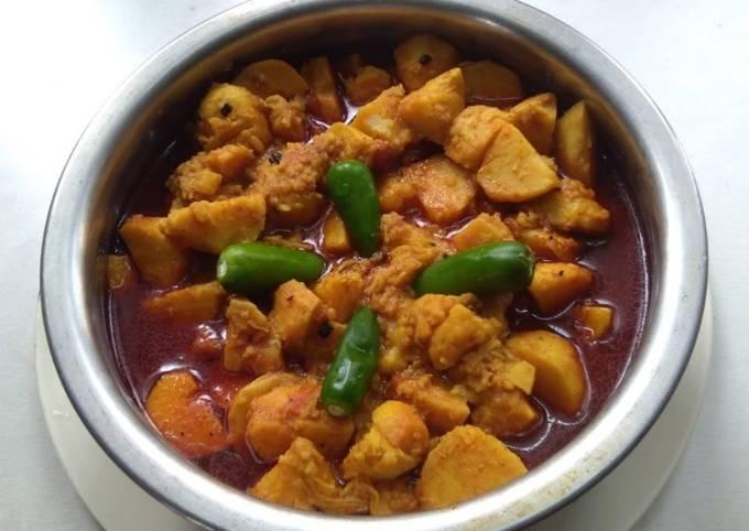 Potato colocasia curry