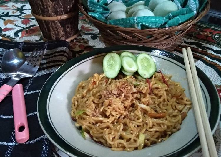 Indomie Goreng Salted Egg Rumahan