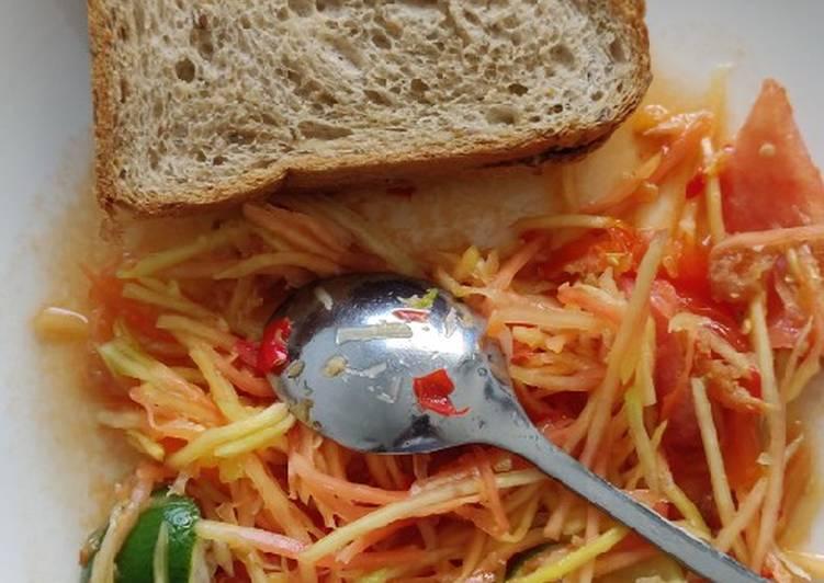 Resep Thai papaya salad (som tum) Yang Populer Pasti Enak